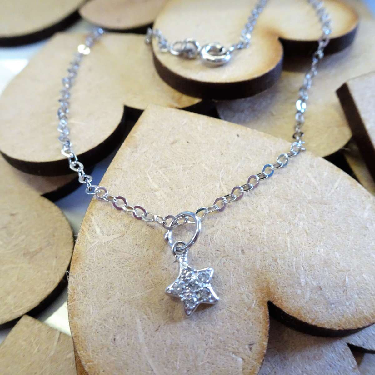 Alterative image for 9ct White Gold Hammered Trace Anklet with CZ Star Charm - 9.5 Inches