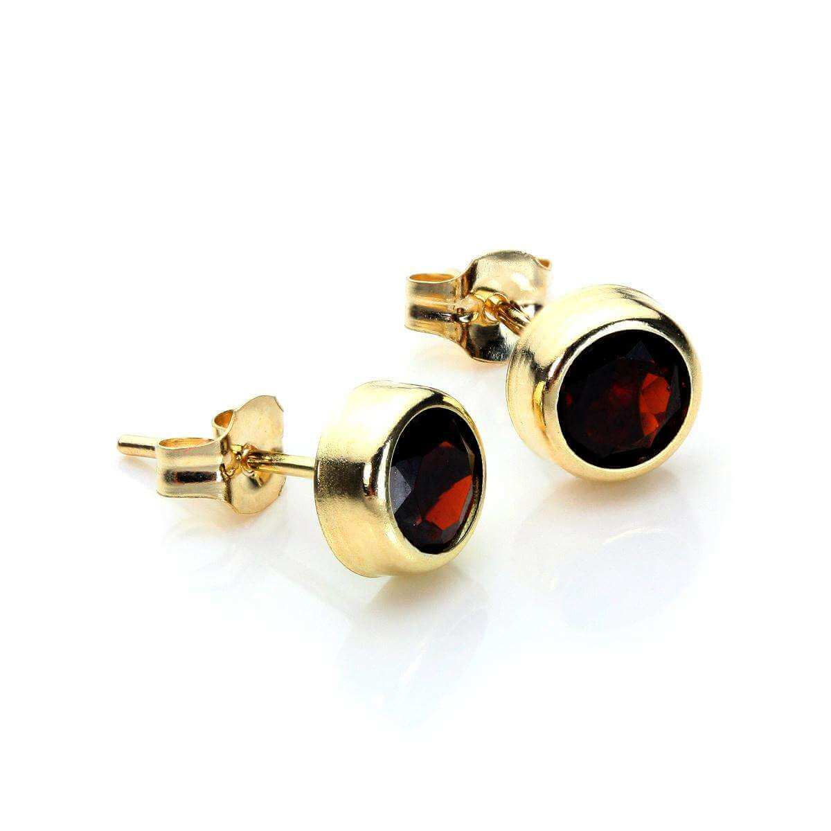 9ct Yellow Gold Garnet 5mm Round Stud Earrings